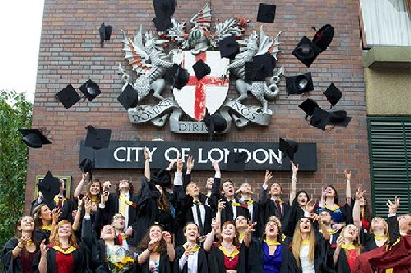 Reino Unido: Becas para Postgrado en Medicina City University London